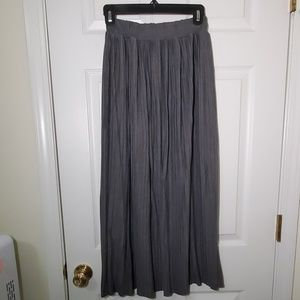 Dresses & Skirts - Long Maxi Grey Pleated Skirt